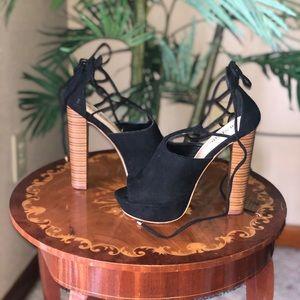 High heel, never worn